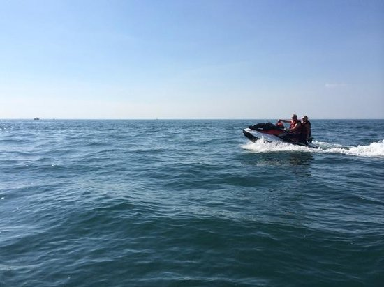 Watermouth Cove Holiday Park: Jet Skiing / Kayaking / Water-Sports