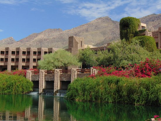 Loews Ventana Canyon Resort: hotel front