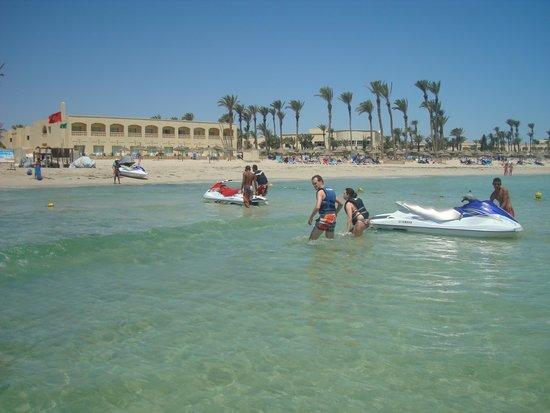 Zephir Hotel & Spa : La mer est bien transparante