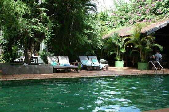 The Kabiki : la piscine et le restaurant