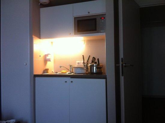 Residhome Appart Hotel Saint-Charles : кухонный уголок