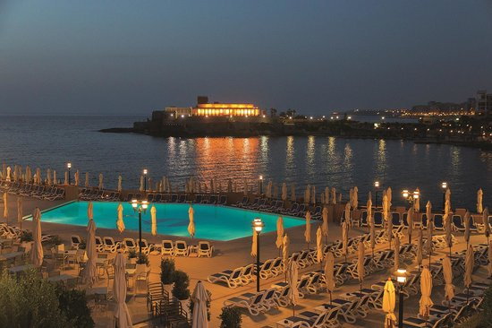 Corinthia Hotel St. George's Bay: The Lido with direct access to the sea