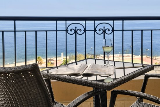 Corinthia Hotel St. George's Bay : Deluxe Seaview