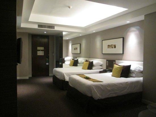 PARKROYAL Kuala Lumpur: twin room at Park Royal