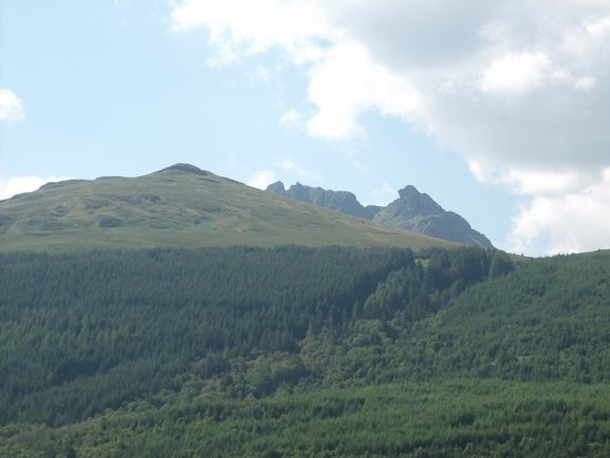 Claymore Hotel: the cobbler mountain taken from hotel grounds