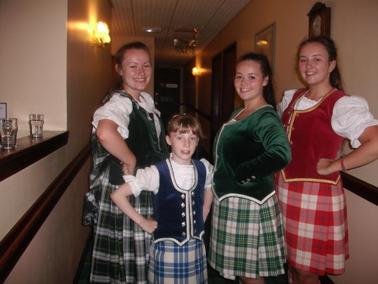 Claymore Hotel: local childrens dance school enetertained us on sunday night
