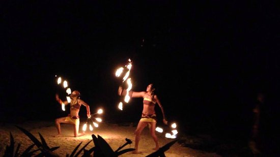 Fusion Bar & Restaurant: Fire Show