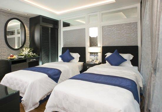 Church Boutique Hotel Hang Ca: Premium Room
