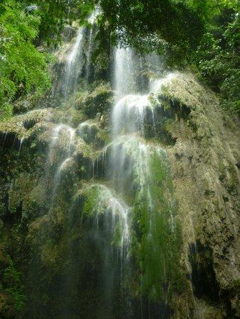 Tumalog Falls: Hypnotic
