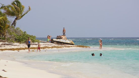 Playa Flamenco: The Beach was ocuppied by the US Marine until 1975