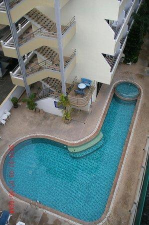 Patong Pearl Resortel : Nice and clean swimming pool