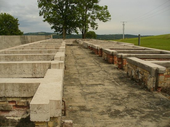 Gedenkstaette Mittelbau Dora: The footings of the prison block