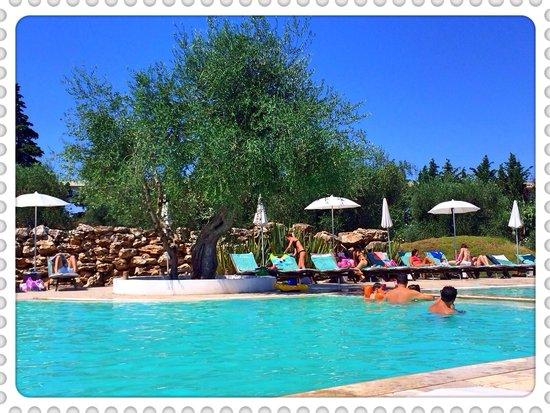 Terranobile Metaresort: Belle piscine, détente assuré :)