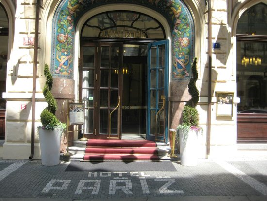 Hotel Paris Prague: Eingang