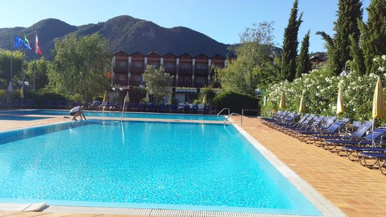 Iseo Lago Hotel : By the pool
