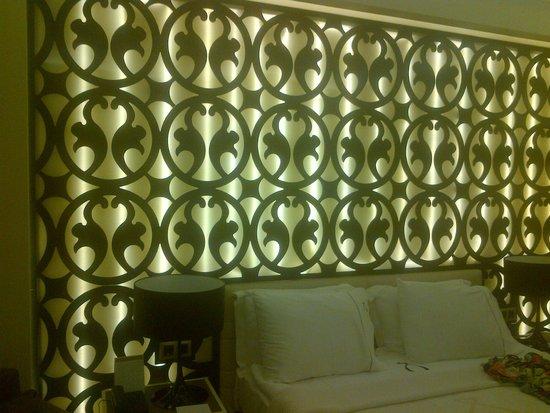 Aurum Spa & Beach Resort: кровать