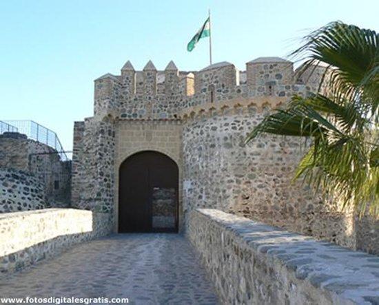 Cueva de Siete Palacios - Archaeological Museum: Acceso al Castillo San Miguel, Almuñécar