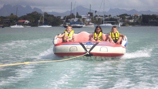 Veranda Grand Baie Hotel & Spa : Kids enjoying themselves