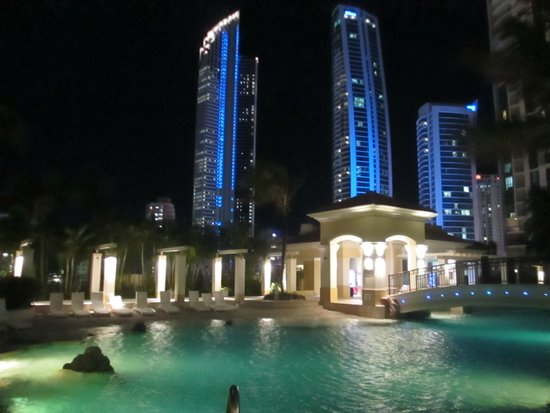 Mantra Towers of Chevron: Night view Beaches In The Sky