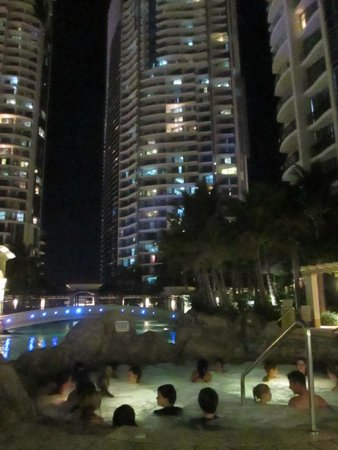 Mantra Towers of Chevron: Night view from lagoon pool