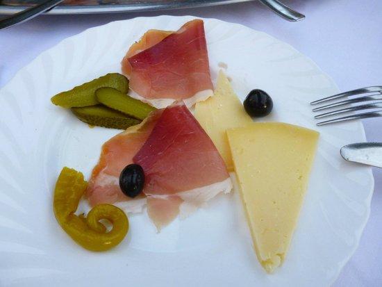 Gostionica Mareta : formaggio di Pag e prosciutto dalmato