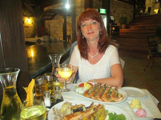 Sergios Hotel : ужин в таверне