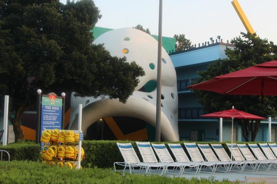 Disney's All-Star Movies Resort : That Mighty Ducks theme