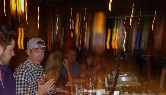 Deschutes Brewery: Bar action