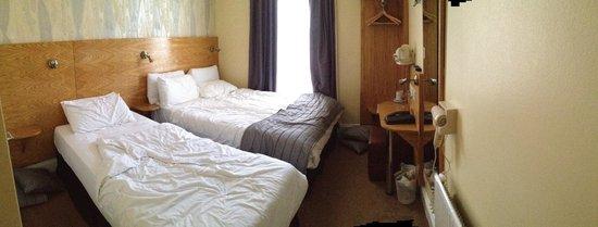 Lidos Hotel: camera (un pò in disordine perchè ce ne stavamo andando)