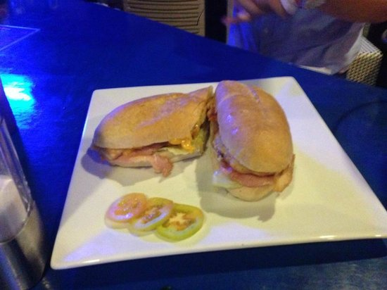 Rock N Roll Suites and Rock Cafe: Chicken, Bacon, Cheese, Lettuce sandwich
