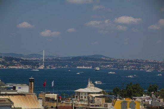 Levni Hotel & Spa: Blick vom Zimmer runter zum Hafen
