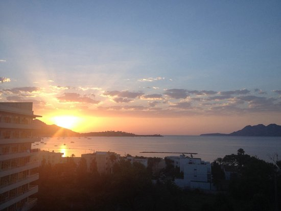 FERGUS Style Pollensa Park SPA: Sun rising view from room 743