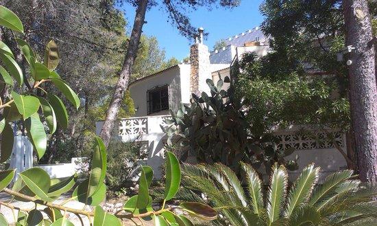 Rótova, España: Vista Jardín con Finca