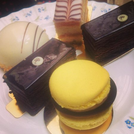 The Ritz London: Pastries