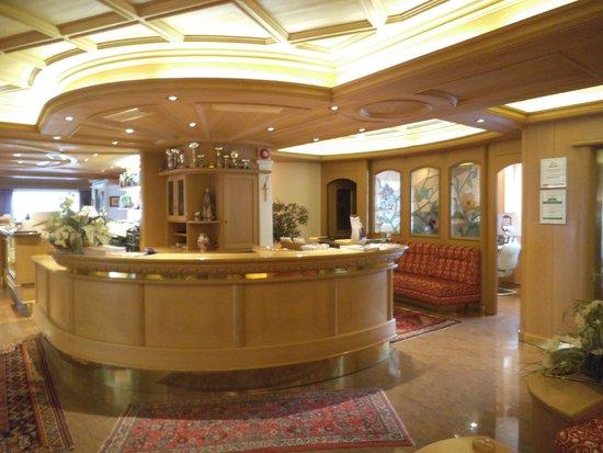 Hotel Rene: Reception
