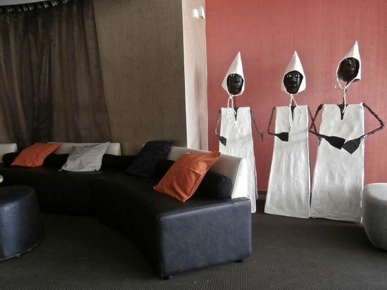 Novotel Dakar : Local Artwork