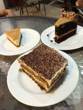 Heavenly Desserts by Dorothy: Cakes