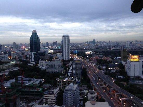 Novotel Bangkok Ploenchit Sukhumvit : View from the club lounge