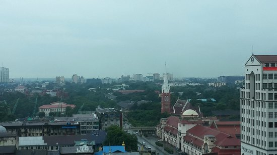 Sule Shangri-La Yangon : View from the room