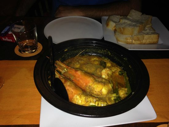 Ministry of Crab : Pot of curry prawns