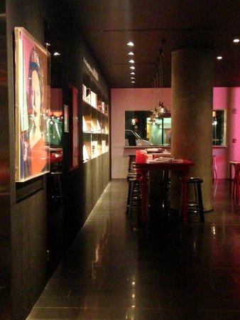 citizenM New York Times Square : Reading
