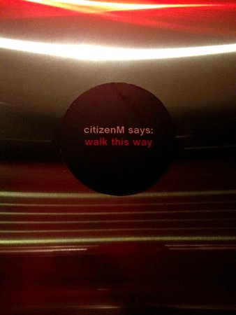 citizenM New York Times Square: Walk This Way =)