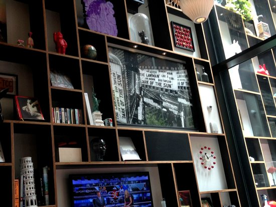 citizenM New York Times Square: Lounge Decor