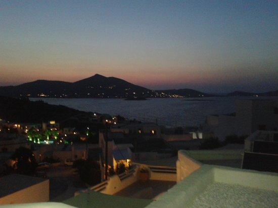 Yades Suites-Apartments-SPA: unique view of naousa