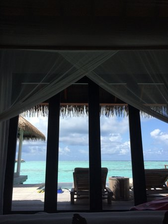 Maalifushi by COMO : The view from our bed