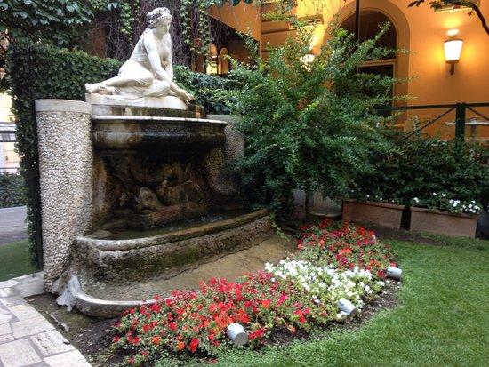 Quirinale Hotel: In the garden