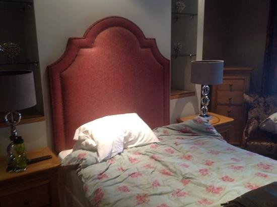 The Angel Inn: master bed fit for one person