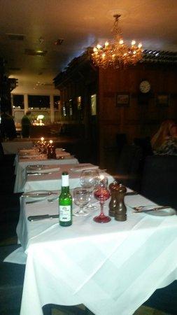 Greig's Grill & Restaurant: Dining room setup