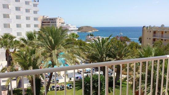 Vistasol Hotel & Apartamentos: Balcony View