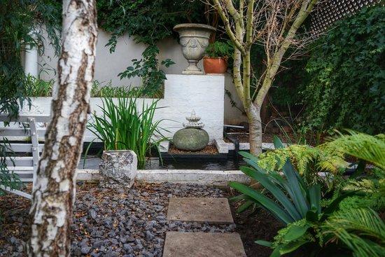 Parker Cottage : garden
